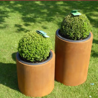 Garden Planters & Edging